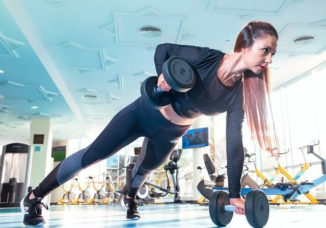 Làm sao để biết cách chọn giày tập gym cho nữ?