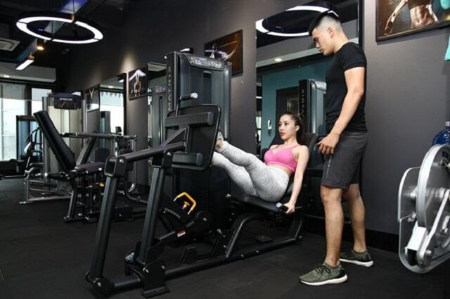 Phòng tập Gym có đội ngũ huấn luyện viên rất nhiệt tình, có chuyên môn, có kỹ năng.