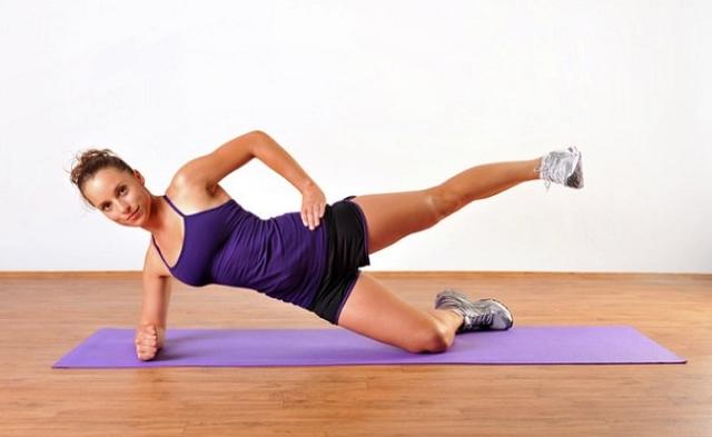 Side Plank Leg Lift cho một vòng eo săn chắc không mỡ thừa