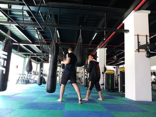 Phòng tập tại Trường Chinh khá dài và rộng