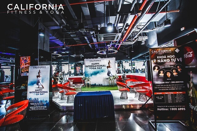 Review phòng tập California Fitness & Yoga Hai Bà Trưng